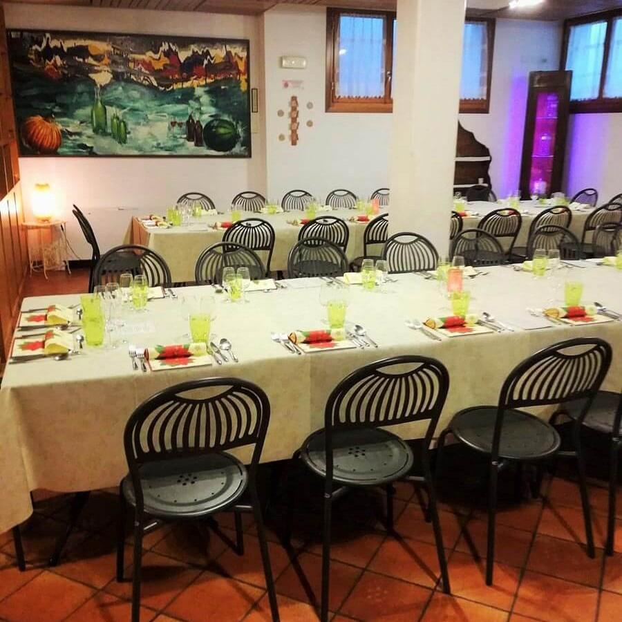 Sala La tavernetta- tavoli del ristorante Borgo delle Vigne a Zola Predosa